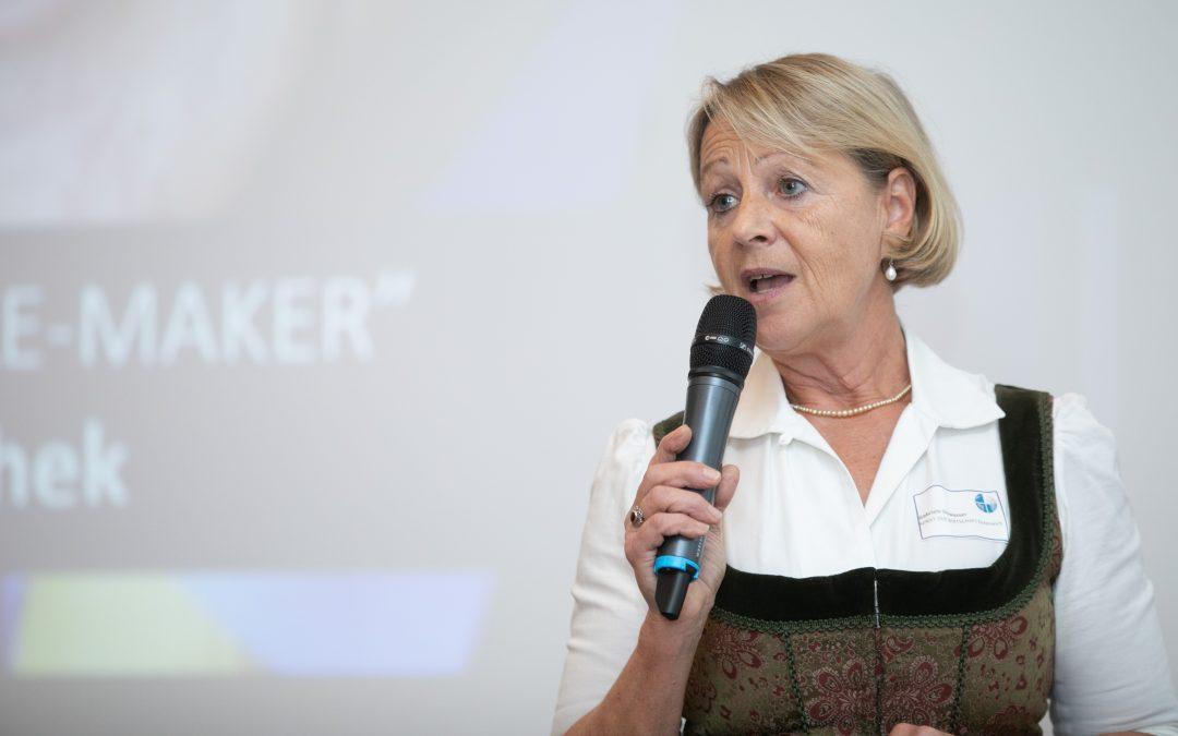 Gabriele Stowasser, Vorstandsmitglied Senat der Wirtschaft, im Gespräch